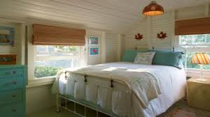 Cottage Bedrooms Decorating Beachy Bedrooms Small Bedroom Decorating Ideas Small Cottage