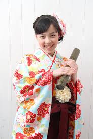 小学生卒業式の袴のお写真をご紹介いたします 小学生卒業袴 卒業式