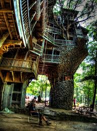 Best 25 Treehouse Hotel Ideas On Pinterest  Amazing Tree House Largest Treehouse In America