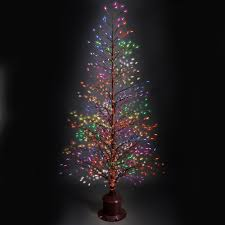 This is the fiber optic tree that casts bright white or multicolored  twinkling light. The tree has 551 fiber optic tips that seamlessly change  color or ...