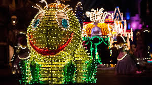 Electric Light Parade Disneyland Two Chances Left To See Disneys Main Street Electrical