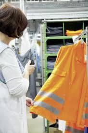 Armadietti per dpi : Abiti da lavoro? meglio a noleggio imprese edili