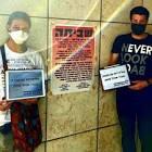 """""""המתמחים נותנים ת׳דם, ניצן דורס זכויות אדם!""""    הפגנה סוערת בת״א ואיום בהתפטרות המונית בתגובה להכרזת שר הבריאות"""