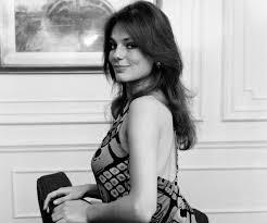 Vintage Photos of Jacqueline Bisset - Mentertained