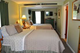 Lodging Accommodations And Cabin Rental In Grafton Illinois Lodge Room Designs