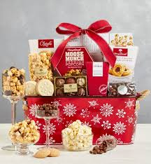 Christmas hampers under £30 for 2019. 40 Best Holiday Gift Baskets For People Who Are Hard To Shop For