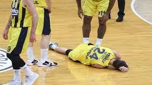 Fenerbahçe Beko - Barcelona | Jan Vesely sakatlanma anı! - YouTube