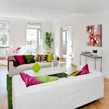 Splash Of Color In A Black U0026 White EnvironmentSplashes Of Colour In White Interiors