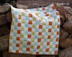 Basketweave Quilt Pattern - Honeybear Lane & It's a great beginners pattern with a NO-SEW top!! Adamdwight.com