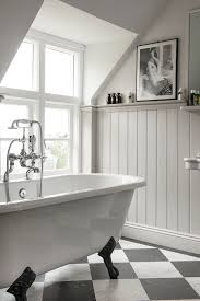 traditional bathroom lighting ideas white free standin. best 25 traditional bathroom ideas on pinterest white bathrooms linen light shades and lighting free standin