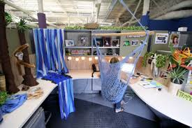 office cube decorations. How To Decorate Cubicle Office Decorating Ideas - Cube Decorations