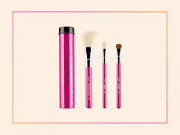 5 travel makeup brush sets perfect for your carry on