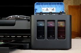 Мастерская творчества Классическая ноунейм СНПЧ выполнена в виде дополнительного внешнего устройства Оно соединяется с принтером через трубочки питающие картриджи