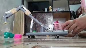 Làm đồ chơi cho bé bằng ống nhựa và xilanh - YouTube