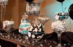Black And White Damask Party Decorating Ideas