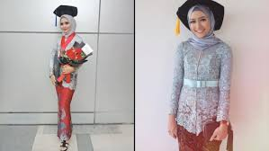 Maybe you would like to learn more about one of these? 12 Hijab Wisuda Simpel Ini Bikin Kamu Makin Pd Untuk Tampil Sederhana Pakai Sendiri Bisa