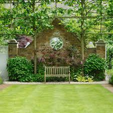 Symmetrical garden small garden ideas Annaick Guitteny