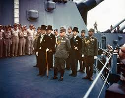 Image result for 1945年 - 第二次世界大戦での日本の降伏: 大日本帝国政府が東京湾の戦艦ミズーリ号艦上で連合国に対する降伏文書(ポツダム宣言)に調印