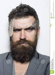 Salon De Coiffure Homme Avec De Longs Cheveux Et Maquillage