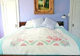 diy twin size duvet cover diy duvet cover from sheets diy upcycled vintage tablecloth duvet cover