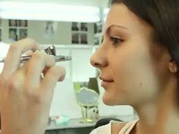 dinair airbrush makeup helps you bee younger looking