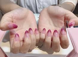 濃いピンクが可愛いラメグラデーションですlia By Neolive所属