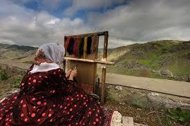 weaving process of handmade caucasian