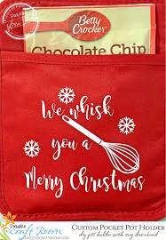 The holidays are coming and christmas potholders make a great addition to a gift basket or make a few to brighten up your own kitchen. Diy Christmas Pocket Pot Holder With Instant Svg Download