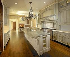 MICHAEL MOLTHAN LUXURY HOMES INTERIOR DESIGN GROUP traditional-kitchen