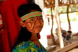 Resultado de imagen para Nativos Wayúu preparan vestuario que usará el Papa