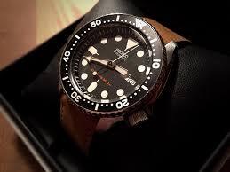 seiko skx007 diver s watch w leather straps