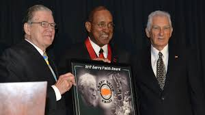 George Tinsley Receives Inaugural Larry Smith Award - Kentucky Wesleyan  College Athletics