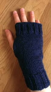Free Fingerless Gloves Knitting Pattern Interesting Knitted Fingerless Gloves Sew Sensational