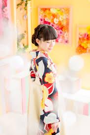 お気に入りの袴とヘアスタイル花飾りで思い出に残る卒業式に