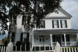 204 east jefferson street quincy florida mark welch mr pat munroe built the pat munroe house for his first wife edith adelaide walker in 1893