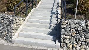 Treppen aus granit können vielfältig und zu jedem stil passend, gestaltet werden. Aussentreppe Aus Granit Beton Naturstein Waschbeton Wagner Treppenbau Mainleus