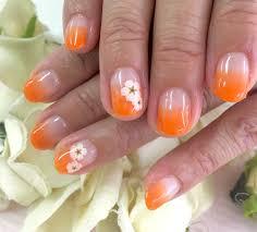 パラジェルオレンジで夏らしいグラデーションネイルネイルサロン
