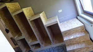 Wir zeigen, wie sie einen drempelschrank bauen und viel stauraum schaffen. Regal Unter Treppe Selber Bauen Caseconrad Com