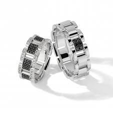 Обручальные <b>кольца с черными</b> бриллиантами