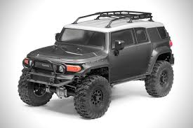 Toyota FJ Cruiser 4WD R/C Car | HiConsumption