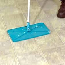 floor glue remover vinyl flooring how to remove from tile under removing linoleum adhesive uk