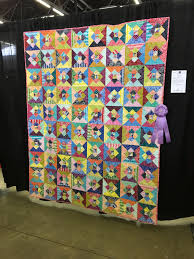 Dallas Quilt Show – Traditional Versus Artisan Quilts – Chopin – A ... & This quilt could give me a headache! What is it all about anyway? Color? Adamdwight.com