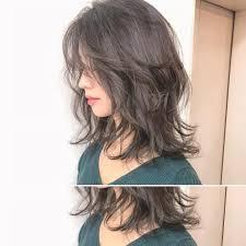 下膨れ顔な女性に似合う髪型20選おたふく顔でも似合う前髪も Cuty