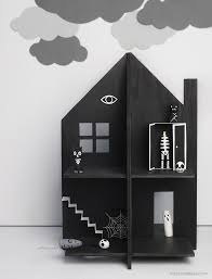 fave diys of the week halloween haunted dolls diy haunted house dollhouse tutorial and template from mr printables make this diy haunted house dollhouse out of cardboard plywood or thick card material