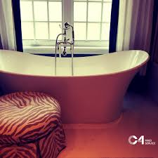 how to clean your bathtub in less than 10 minutes
