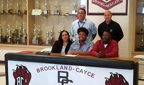BCHS Lineman Patrick McNeil signs with S.C. State - westmetronews