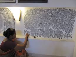 painting on the wallWoman painting on the wallmithila art  Indiaaah  Pinterest