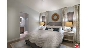 Mobile Home Decorating Ideas for Beautiful Master Bedroom