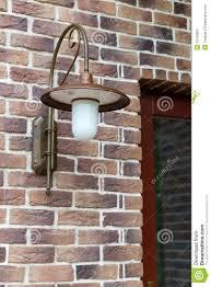 Lamp Bij De Voordeur Stock Afbeelding Afbeelding Bestaande Uit