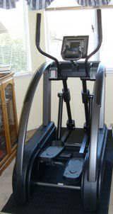 Elliptical Machine Comparison Chart Elliptical Vs Treadmill Difference And Comparison Diffen